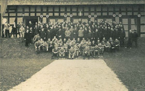 Scottish and German physicians in front of the 'Führerschule'