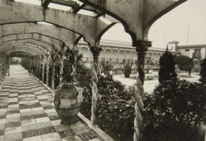 Derry and Toms Roof Gardens « University of Glasgow Library