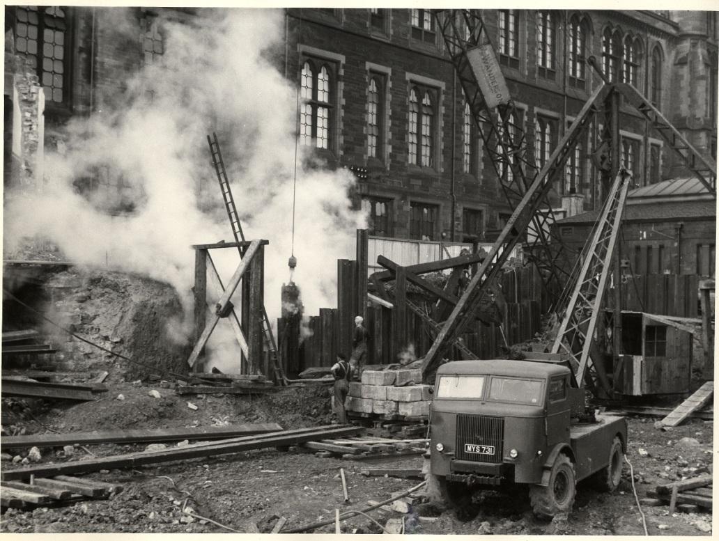 Constructing the James Watt Engineering Building.