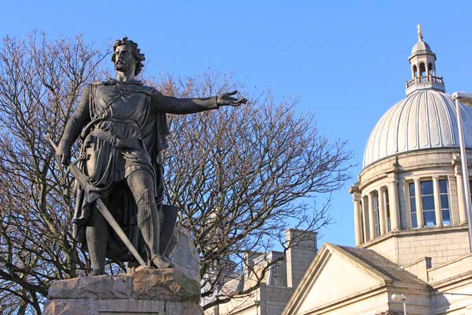 The Wallace statue in Aberdeen
